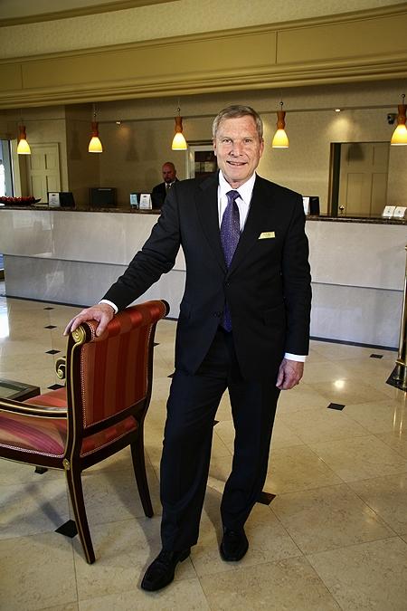 Bellevue Hotelier Don Prather
