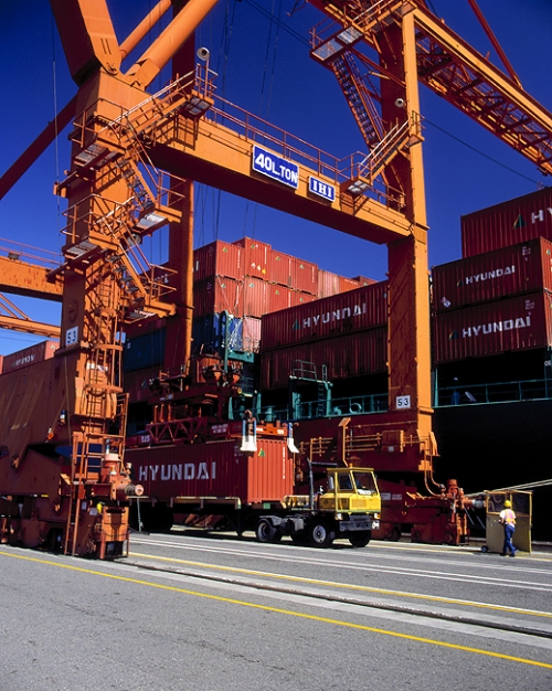 Unloading Containers – Port of Seattle WA